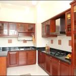 Nhà bếp đặt ở bên phải cửa chính dễ gây xung đột
